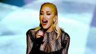 Gwen Stefani Wows the AMAs With Heartbreaking Performance of 'Used to Love You'